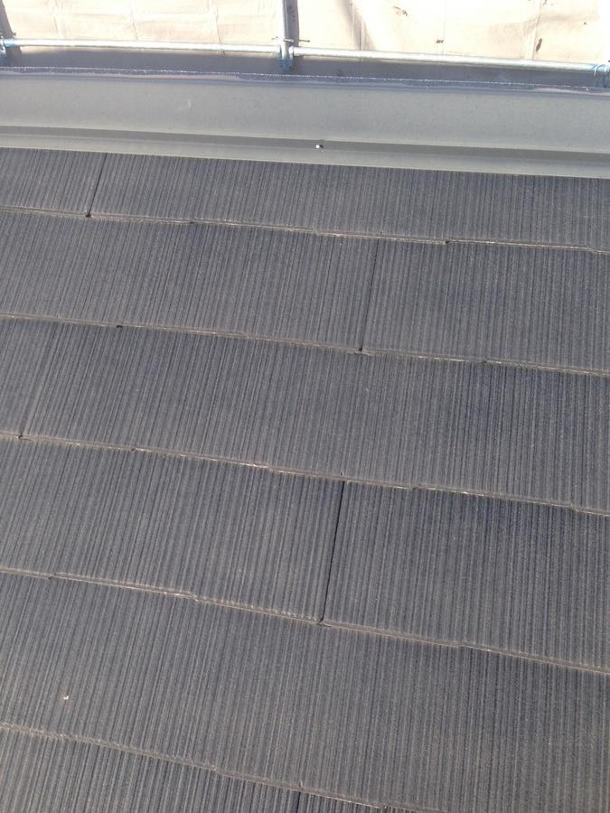 1.7茨木.秋元様 屋根と外壁のシールの現状.jpg