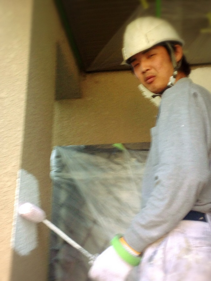 4.17池田市 田中様 外壁下塗り.JPG