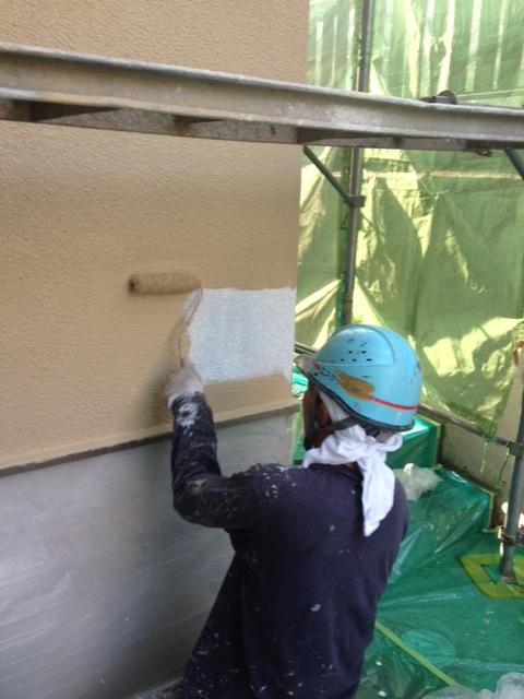 5.22茨木市 二川様 外壁上塗り.JPG