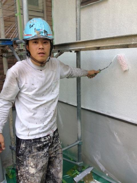 5.22茨木市 二川様 外壁下塗り.JPG