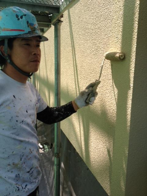 5.23茨木市 二川様 外壁上塗り2.JPG