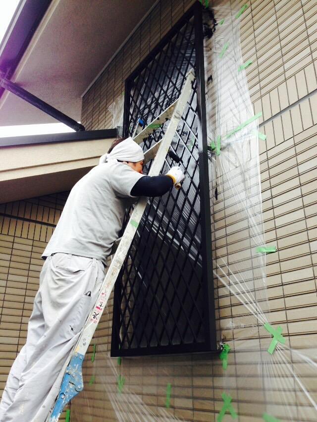7.3豊中市 今井様邸 面格子塗装.JPG