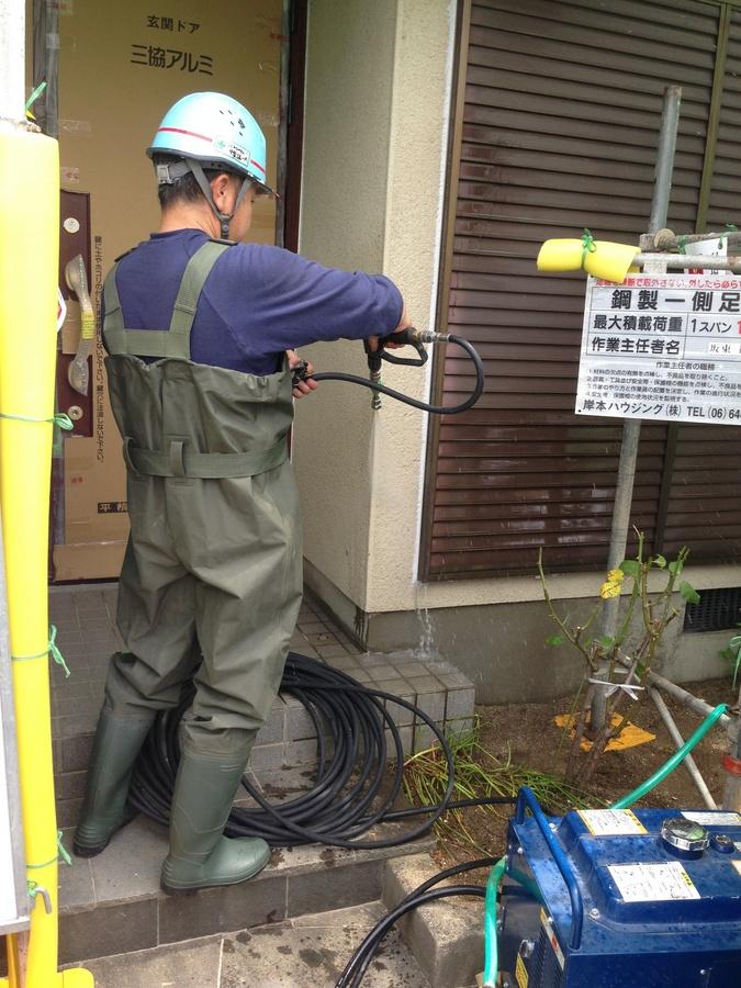 7.6高槻市 福田様 外壁の高圧洗浄.jpg