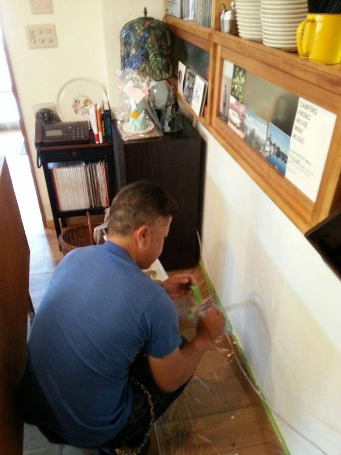 店舗内壁塗装 シミの上塗り 少しの塗装依頼のサブ画像01